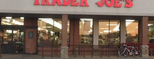 Trader Joe's is one of Orte, die Lisa gefallen.