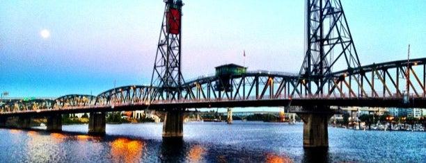 Hawthorne Bridge is one of Travel To Do.