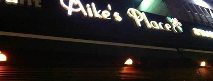 Mike's Place is one of Tel Aviv second best.