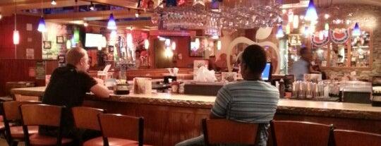 Applebee's Grill + Bar is one of Gespeicherte Orte von jjmondesi.