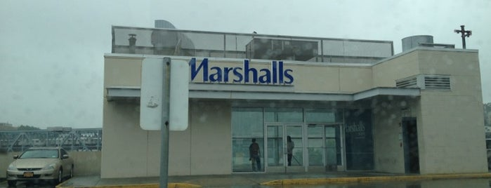 Marshalls is one of Meliqueさんのお気に入りスポット.