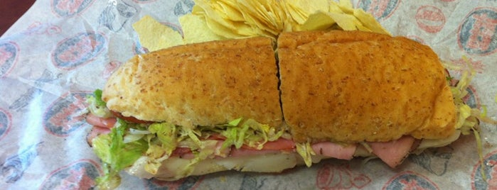 Jersey Mike's Subs is one of Orte, die Billy gefallen.