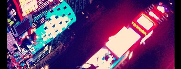 Таймс-сквер is one of New York, New York.