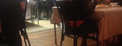Canton Cafe is one of Nikhita'nın Beğendiği Mekanlar.