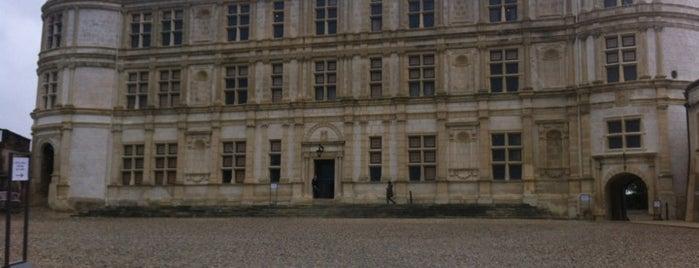 Château de Grignan is one of สถานที่ที่บันทึกไว้ของ Jean-Marc.