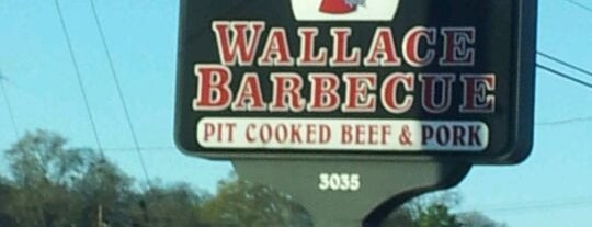 Wallace Barbeque is one of Locais curtidos por Donna.