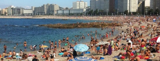 Praia de Riazor is one of places 2.