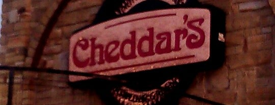 Cheddar's Scratch Kitchen is one of BGKY List of Places to See.