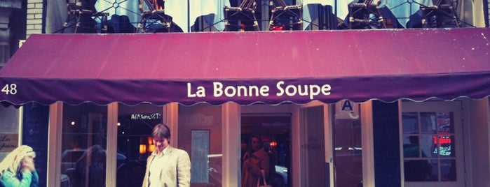 La Bonne Soupe is one of inexpensive lunches in midtown.