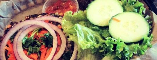 Elixir Organic Cafe And Lounge is one of Lieux sauvegardés par Kiitty.