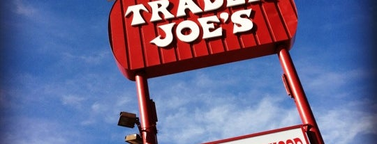 Trader Joe's is one of Orte, die Colleen gefallen.