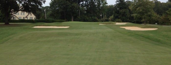 Myers Park Country Club is one of Posti che sono piaciuti a Christopher.