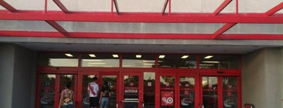 Target is one of Lugares favoritos de Stacy.