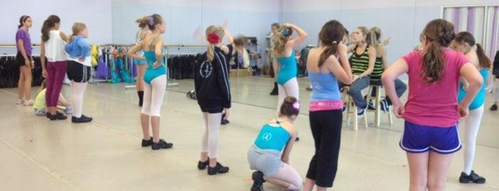 Astrid's Dance Studio is one of Posti che sono piaciuti a Rob.