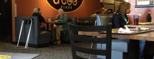 d'egg Diner is one of Tempat yang Disukai David.