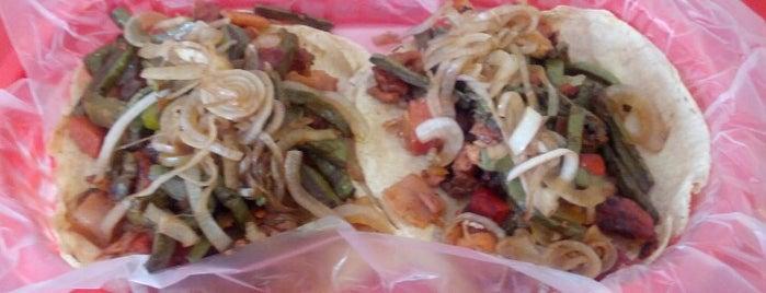 COMBInados, Tacos, cortes y + is one of C.K.