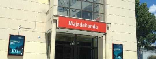 Estación de Cercanías de Majadahonda is one of Majadahonda.
