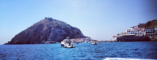 Borgo di Sant'Angelo is one of Halilさんのお気に入りスポット.