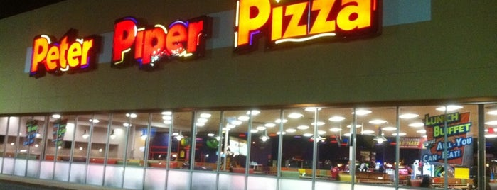 Peter Piper Pizza is one of Avelinoさんのお気に入りスポット.