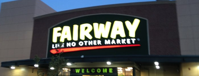 Fairway Market is one of Orte, die Ashley gefallen.