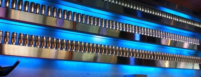 Blue Sushi Sake Grill is one of Tempat yang Disimpan Jeff.