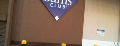 Sam's Club is one of Bruna 님이 저장한 장소.
