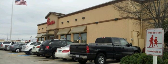 Chick-fil-A is one of Locais curtidos por Marcus.