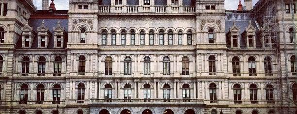 뉴욕 주 의회 의사당 is one of The Crowe Footsteps.