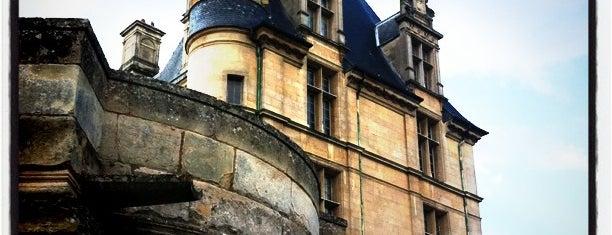 Château d'Écouen – Musée de la Renaissance is one of Mike'nin Beğendiği Mekanlar.