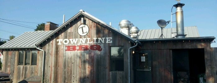 Townline BBQ is one of Locais curtidos por Emily.
