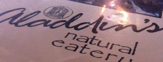 Aladdin's Natural Eatery is one of Posti che sono piaciuti a Mark.