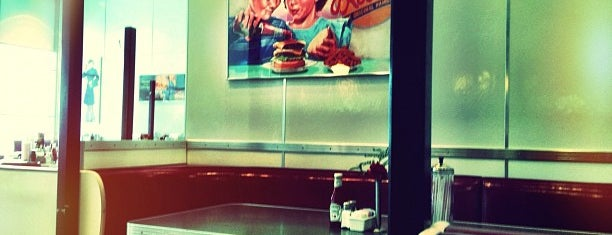 Johnny Rockets is one of Khalid's Liked Places.