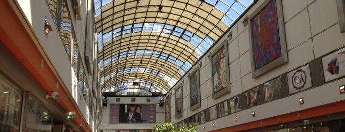 Galeria Dominikańska is one of Locais curtidos por Natali.