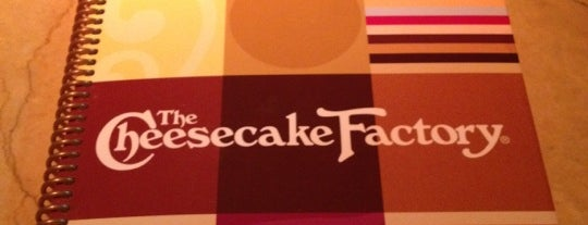 The Cheesecake Factory is one of Shreyasさんの保存済みスポット.