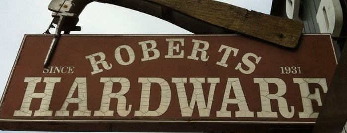 Robert's Hardware is one of Orte, die Thaisa gefallen.