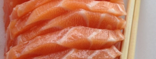 Sushi Yama is one of Lugares favoritos de Aline Carolina.