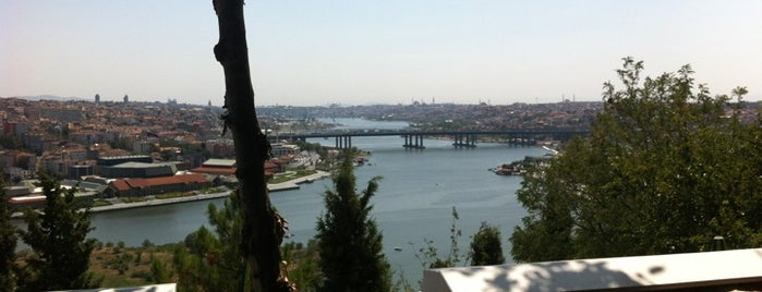Aziyade Restaurant is one of Istanbul, TK.