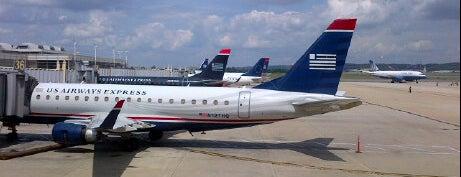 ท่าอากาศยานโรนัลด์เรแกนวอชิงตัน (DCA) is one of AIRPORT.