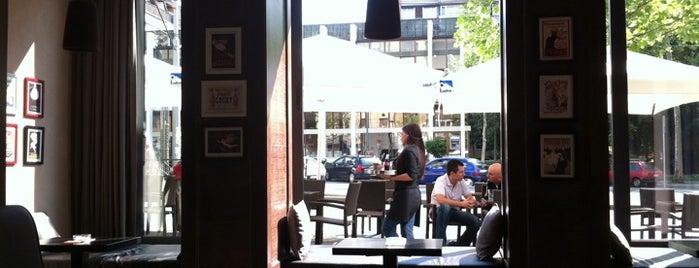 Cafe 9 is one of Posti che sono piaciuti a Mario.