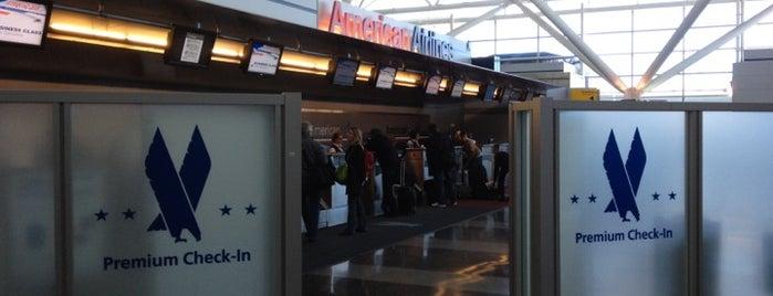 American Premium Check-In is one of Tempat yang Disukai Alberto J S.
