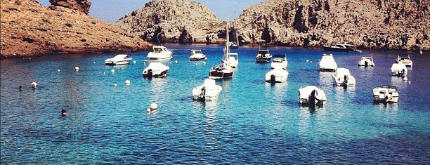 Cala Morell is one of Menorca calas.