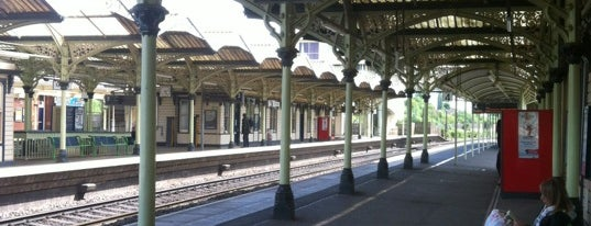 Kettering Railway Station (KET) is one of Oriettaさんのお気に入りスポット.