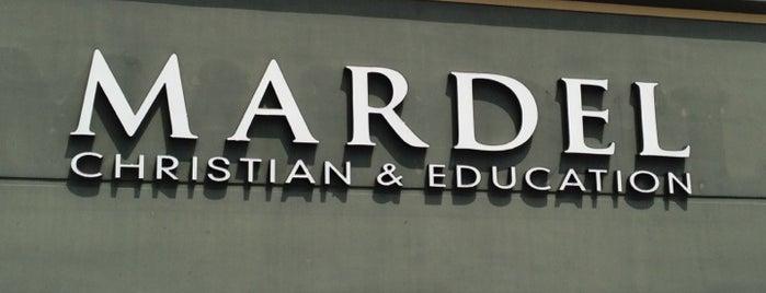Mardel Christian & Education is one of Lieux qui ont plu à Suzanne E.
