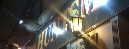 The 1870 Huntsman Pub is one of Orte, die Nicky gefallen.