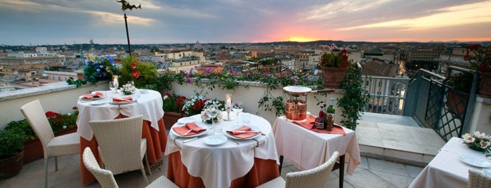 Roof Garden Restaurant Hotel Mediterraneo is one of Italia to-do🇮🇹🍝🍕.