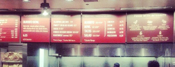 Chipotle Mexican Grill is one of สถานที่ที่ al ถูกใจ.