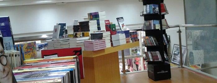 Livraria Nobel is one of Locais curtidos por Weber.
