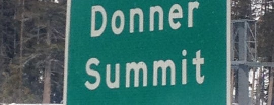 Donner Pass Summit is one of Orte, die Amanda gefallen.