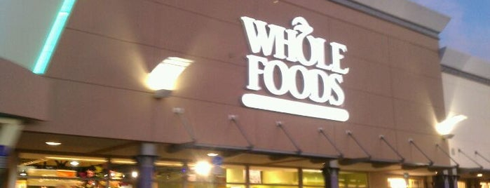 Whole Foods Market is one of Lieux qui ont plu à Thais.