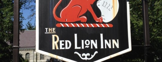 Red Lion Inn is one of Lugares favoritos de Alika.